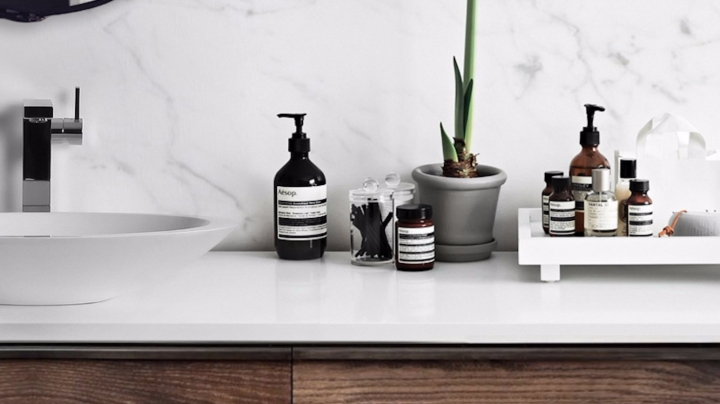 15 Easy Scandinavian Bathroom Organization Tips and Ideas